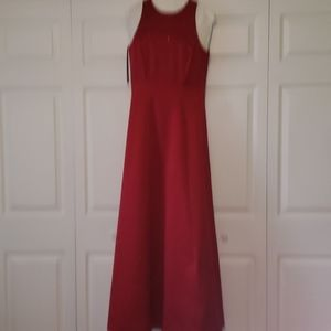 red sleeveless prom dress